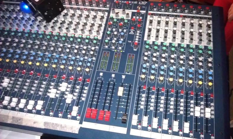 Soundcraft LX7 1